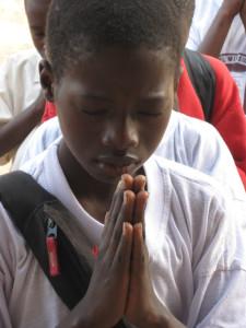 EMC Student Prays